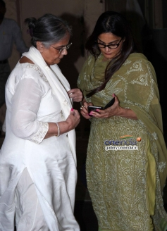 Sushila Charak and Alvira Agnihotri at actress Nanda funeral