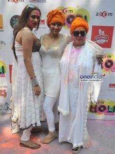 Tanisha Singh with Dolly Bindra at Zoom Holi Party 2014