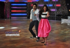 Varun Dhawan and Ileana D'Cruz performs on the sets of DID Little Master Season 3