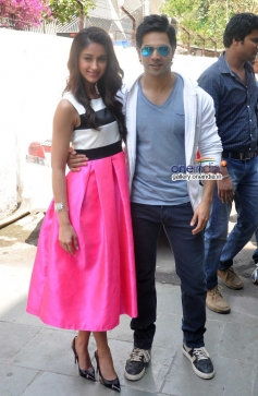Varun Dhawan and Ileana D'Cruz snapped at on the sets of Dance India Dance Little Master Season 3