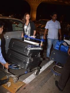 Aditi Rao Hydari leaves for IIFA awards 2014
