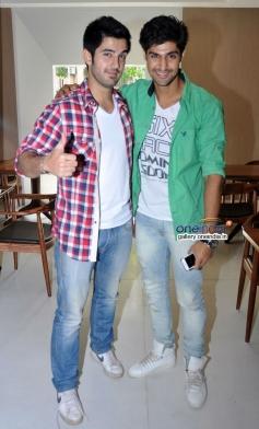 Aditya Seal and Tanuj Virwani promote Purani Jeans at Neel restaurant