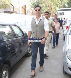 Akshay Kumar arrives on the sets of Zee TV's DID Little Master Season 3