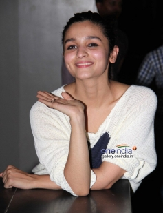 Alia Bhatt attends 2 States special screening at Light Box