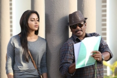 Amala and Parthiban on the sets of Kathai Thiraikathai Vasanam Iyakkam
