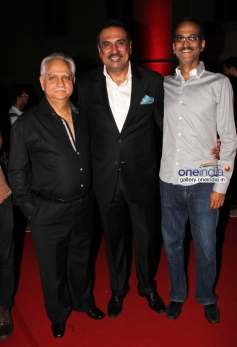 Boman Irani with Ramesh Sippy and Rohan Sippy at Bhoothnath Returns success party