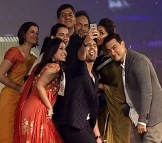 Celebs selfie at NDTV Indian of the Year Awards ceremony