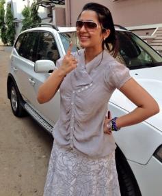 Charmi Kaur vote for Lok Sabha Election 2014