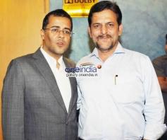 Chetan Bhagat with Rakesh Madhotra at 2 States Special Screening at Yash Raj Studios