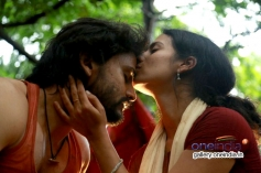Dhananjay and Sruthi Hariharan in Kannada Movie Raate