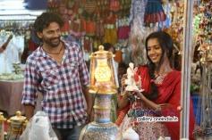 Dhananjay and Sruthi Hariharan in Kannada Movie Raate