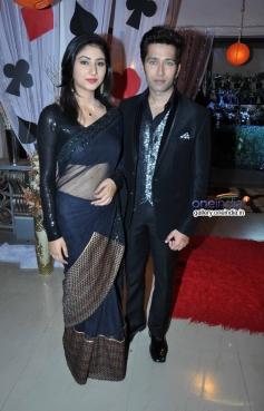 Disha Parmar and Nakuul Mehta on the sets of Pyaar Ka Dard Hai