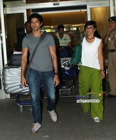 Farhan Akhtar with wife Adhuna Bhabani snapped returning from IIFA 2014