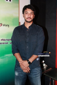 Gautham Karthick at Ennamo Edho film press meet