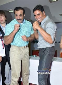 Himanshu Roy and Akshay Kumar launch Tolpar Knife Training & unarmed combat training session