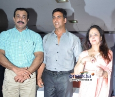 Himanshu Roy, Akshay Kumar and Smita Thackeray