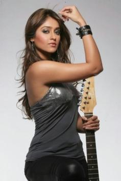 Ileana D'Cruz posing with Guitar
