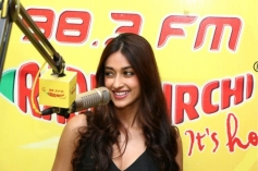 Ileana D'Cruz at Radio Mirchi Mumbai to promote Main Tera Hero