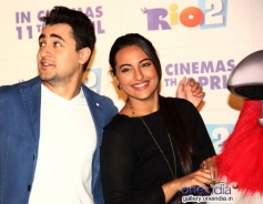 Imran Khan and Sonakshi Sinha during the trailer launch of Rio 2