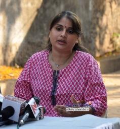 Inder Kumar's wife address media in support of her husband
