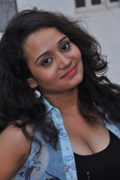 Jhansi (Telugu Actress)