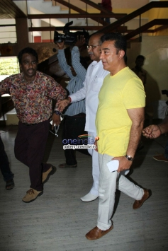 Kamal Casting his vote in Film Chamber Elections