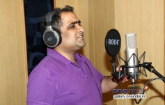 Kunal Ganjawala records song for the film Auto Romance In Mumbai