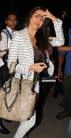 Malaika Arora Khan leaves for IIFA 2014