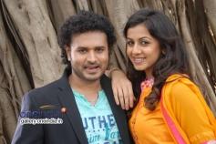 Manoj and Nikki Galrani in Paravashanadenu