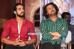 Chetan Gandharva, Rajesh Krishnan at Melody Movie Press Meet