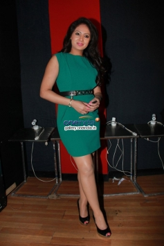 NIkeesha Patel at Ennamo Edho film press meet