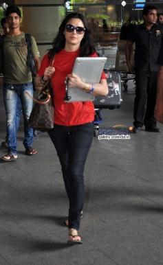 Preity Zinta snapped returning from IIFA 2014