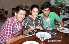 Purani Jeans film stars having lunch at Neel restaurant