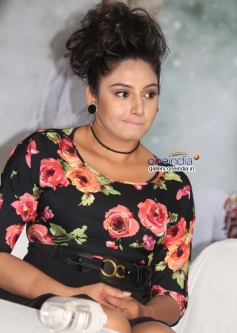 Ragini Dwivedi at Parapancha Movie Press Meet