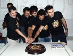 Ranbir Kapoor, Karan Johar, Anurag Kashyap, Vikas Bahl & Vikramaditya at Bombay Velvet wrap up party