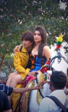 Ranveer Singh and Parineeti Chopra on the sets of Kill Dil