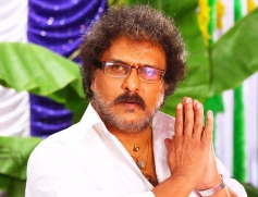Ravichandran in Kannada Movie Maanikya