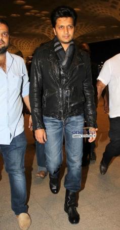 Ritesh Deshmukh leaves for IIFA 2014