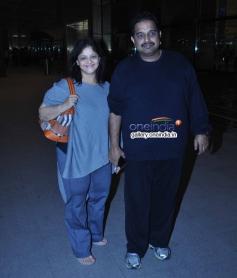 Shankar Mahadevan with wife Sangeeta Mahadevan leaves for IIFA awards 2014