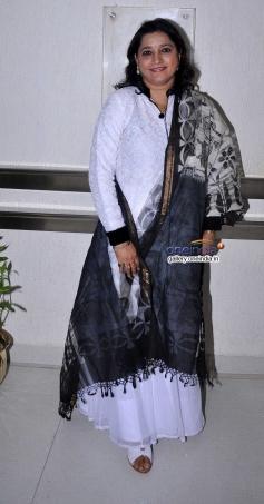 Singer Kavita Seth at launch of Ali Abbas album Ishq Kamal