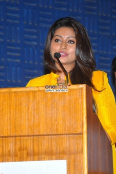 Sneha at Un Samayal Arayil Audio launch