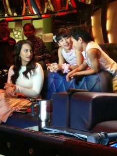 Sonakshi Sinha on the sets of Zee TV's DID Little Master Season 3
