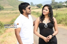 Sri and Haripriya still from Galatta