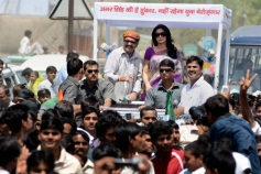 Sridevi with husband Boney Kapoor campaigning for RLD leader Amar Singh in Fatehpur Sikri