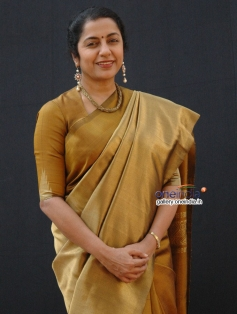 Suhasini in Telugu Movie Sachin Tendulkar Kadu