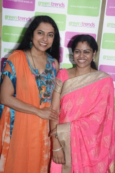 Suhasini Maniratnam at Green Trends Hair and Style Salon launch