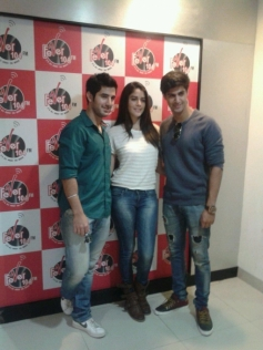 Tanuj Virwani, Aditya Seal and Izabelle Leite promote Purani Jeans at Fever 104 FM