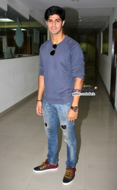 Tanuj Virwani during the Purani Jeans film promotion at Fever 104 FM