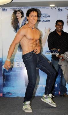 Tiger Shroff's film Heropanti promotion on World Dance Day