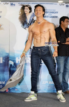 Tiger Shroff takes off his shirt on World Dance Day